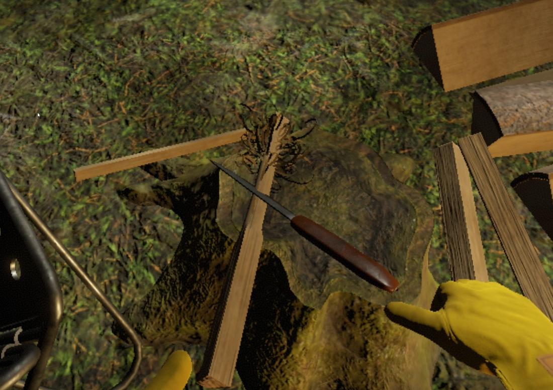 ナイフをスライドさせて薪を薄くカール状に削ります。